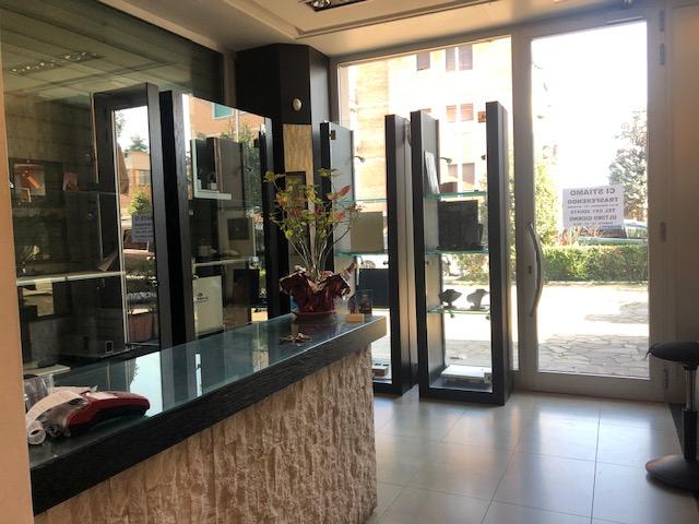 vendita negozio bolognaSanta Viola