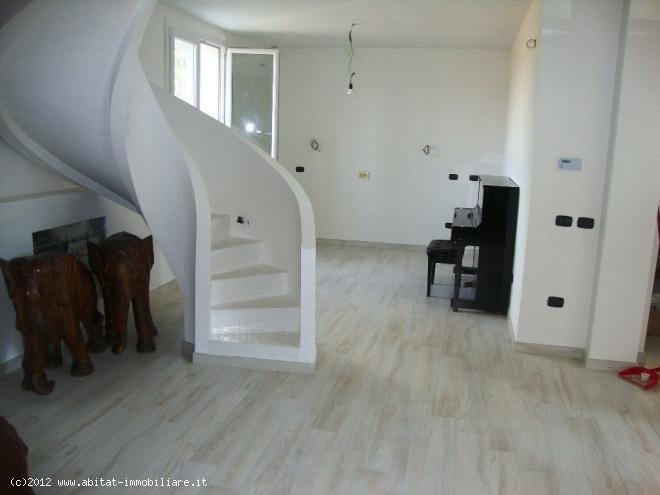 Villa Indipendente in vendita Albinea