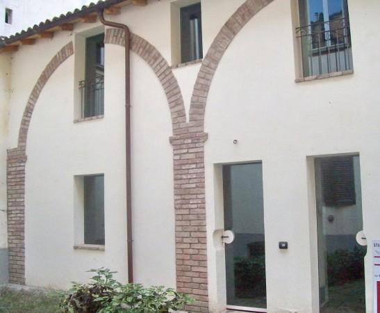 Soluzione Indipendente in vendita a Reggio Emilia, 2 locali, zona Zona: Centro storico, prezzo € 320.000 | Cambio Casa.it