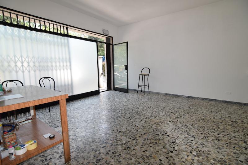Negozio in affitto Reggio Emilia  -  Canalina