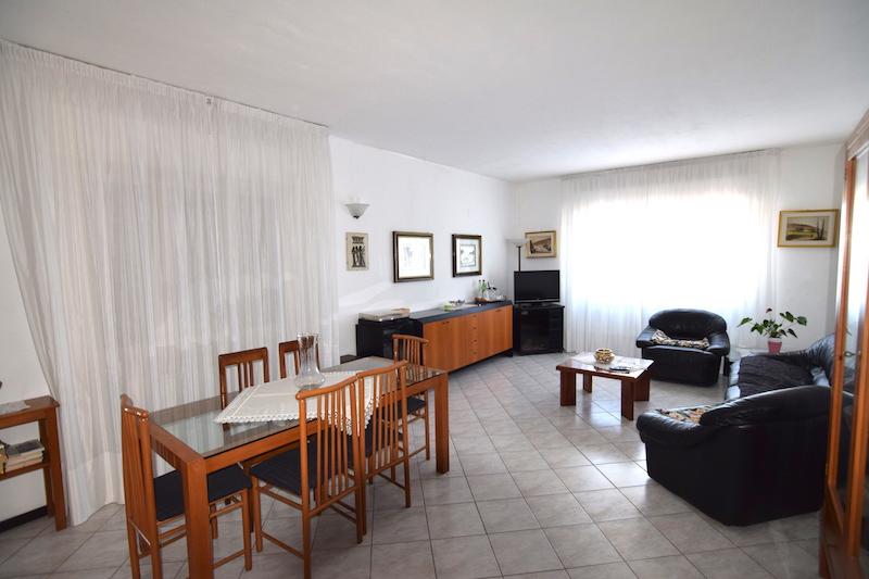 Podere (casa + Terreno) in vendita Cadelbosco di Sopra