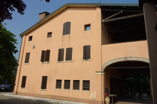 Villa Indipendente in vendita Modena Zona Villanova