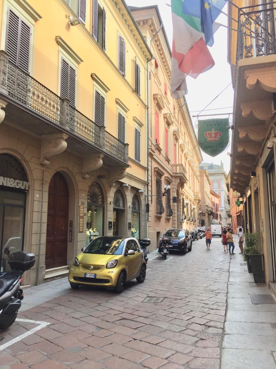 Foto - negozi Piazza Maggiore