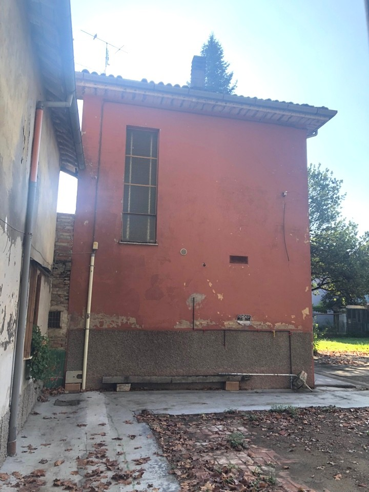vendita villa indipendente Imola