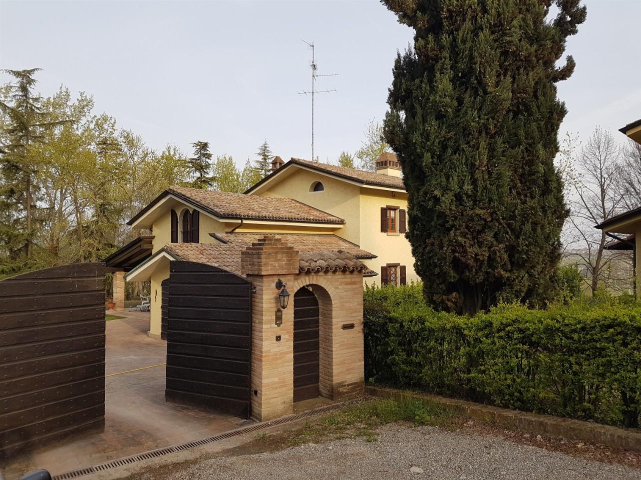 Foto 1 di Villa Albinea Botteghe, Albinea