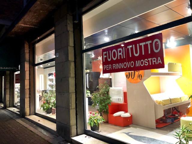 vendita negozio bolognaSan Donato