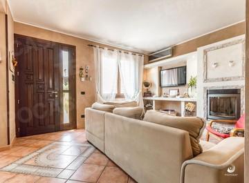 Villa Indipendente in vendita Reggio Emilia  -  Orologio