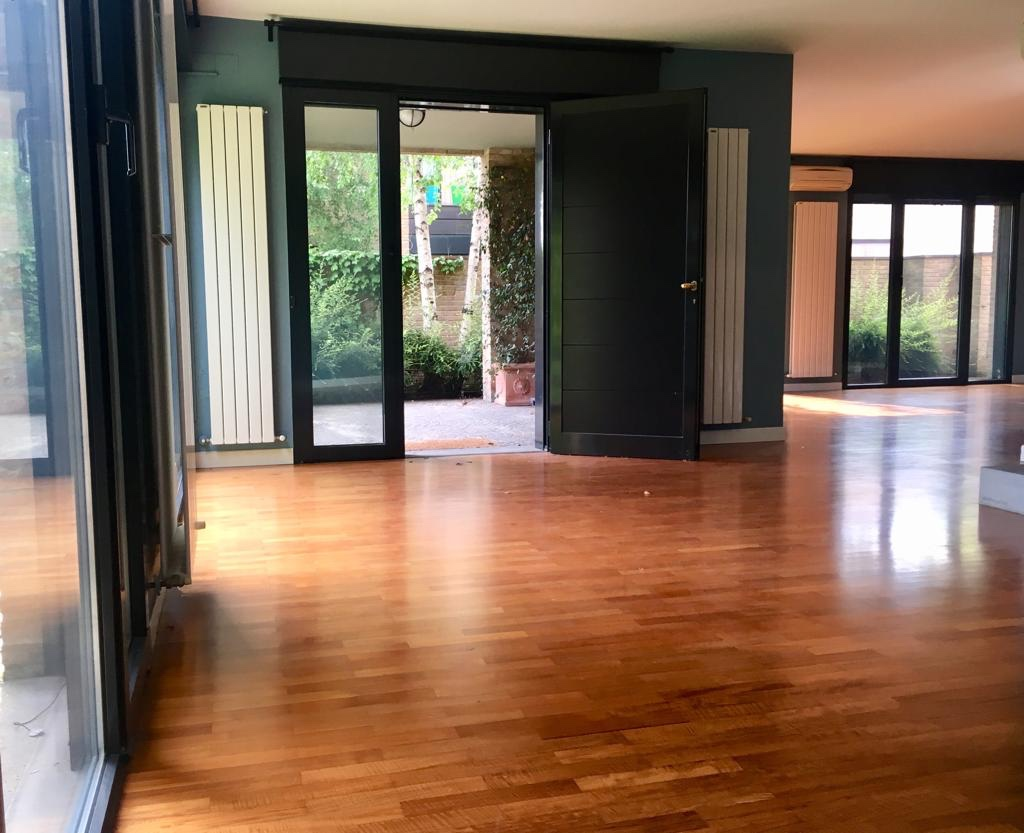 Villa Indip. in vendita Parma Zona Via Traversetolo