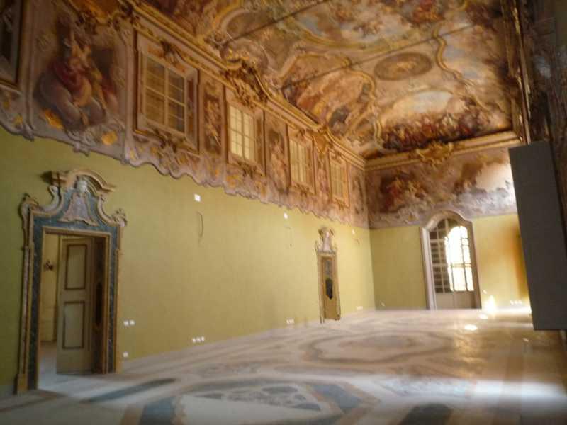 Ufficio vendita bologna centro storico for Centro ufficio