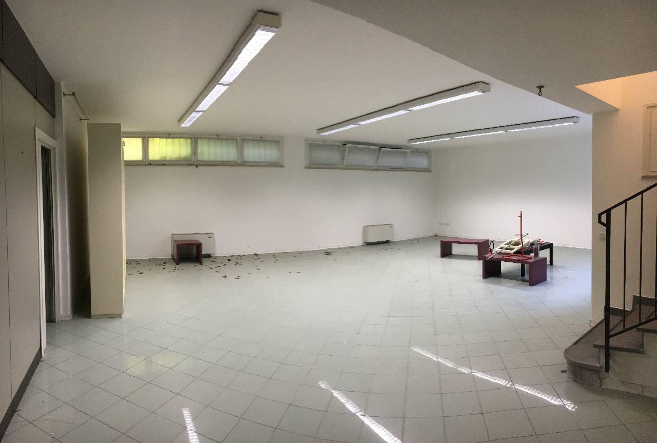 Ufficio Open Space Bologna : Salaborsa bologna welcome