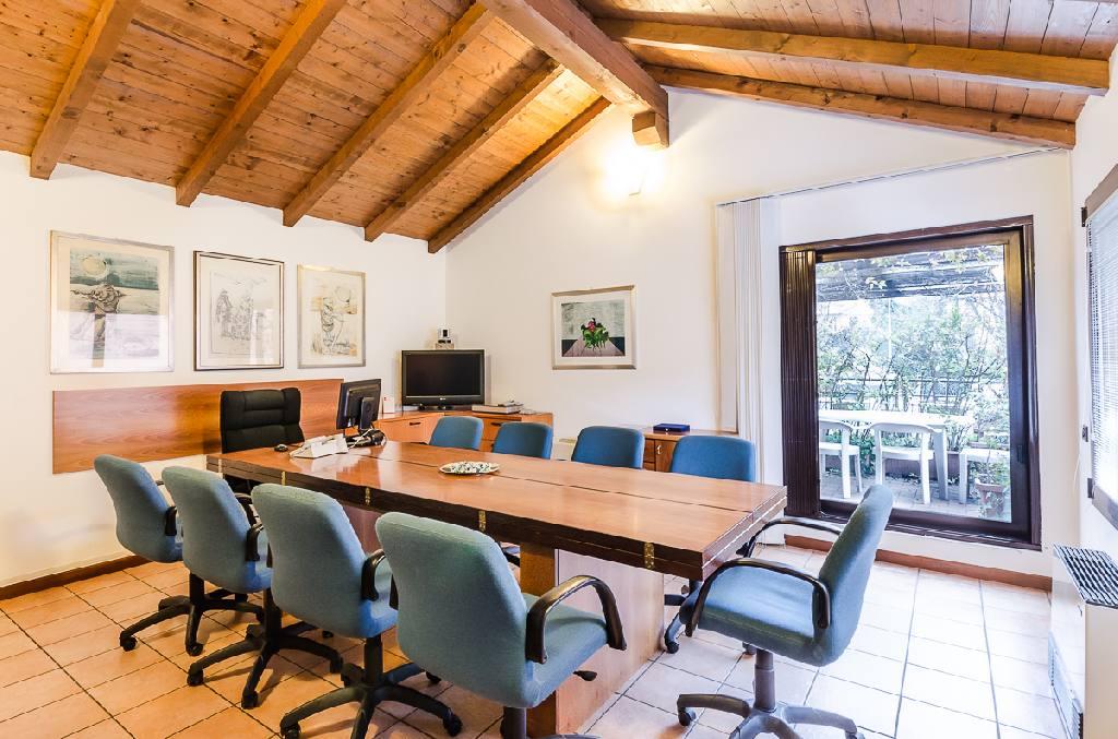 vendita casa indipendente bolognaStrada Maggiore