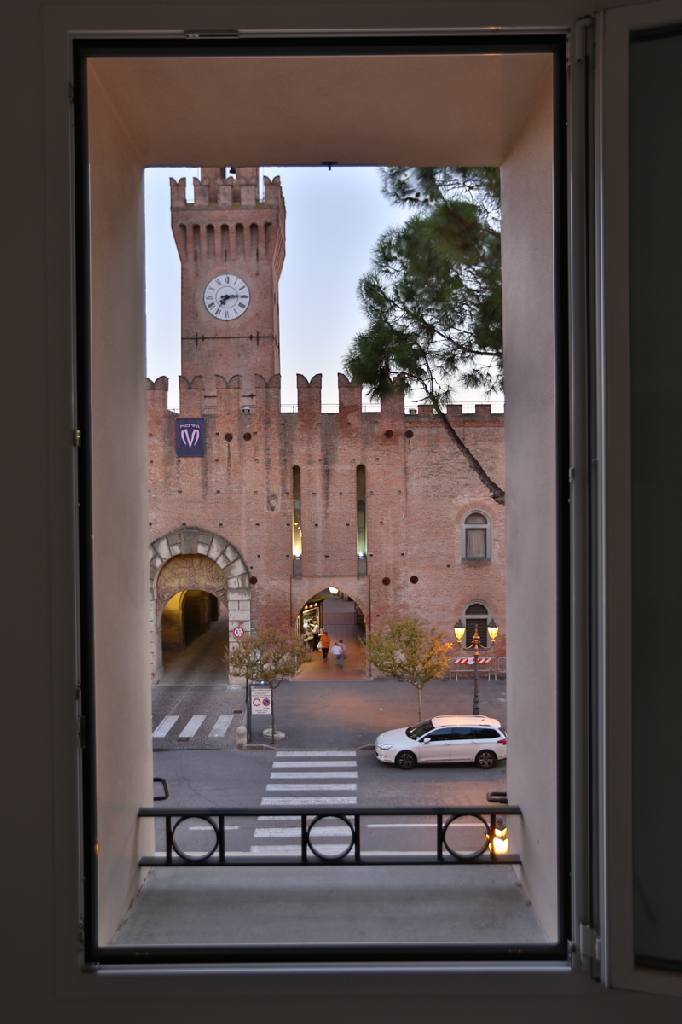 Appartamento in affitto a Castel San Pietro Terme, 2 locali, zona Località: Castel San Pietro, prezzo € 850 | CambioCasa.it