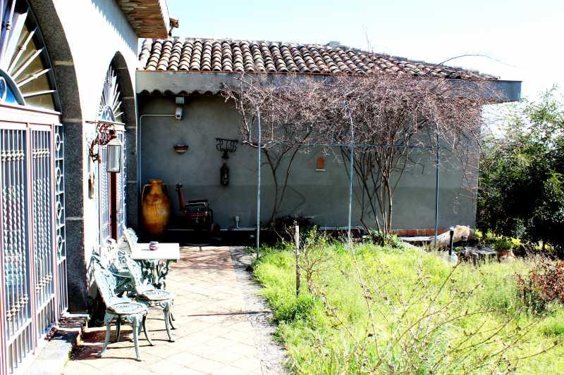Villa in vendita a Milo, 4 locali, zona Località: Milo, prezzo € 600.000 | Cambio Casa.it