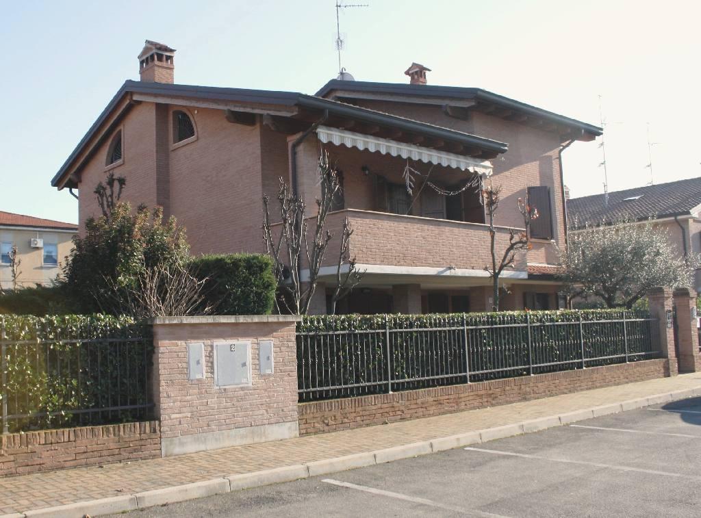 Villa in vendita a Sala Bolognese, 4 locali, zona Zona: Sala Bolognese, prezzo € 630.000   Cambio Casa.it