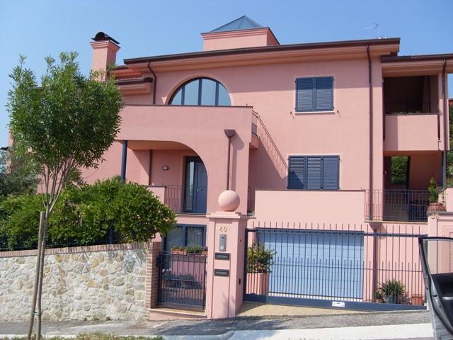 Villa in Vendita a Verucchio