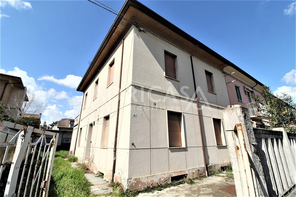 Bifamiliare Porz. in vendita Cesena