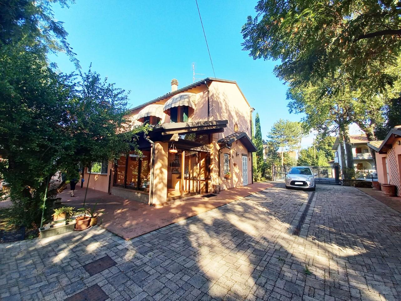 Villa Indipendente in vendita Forli Zona Roncadello