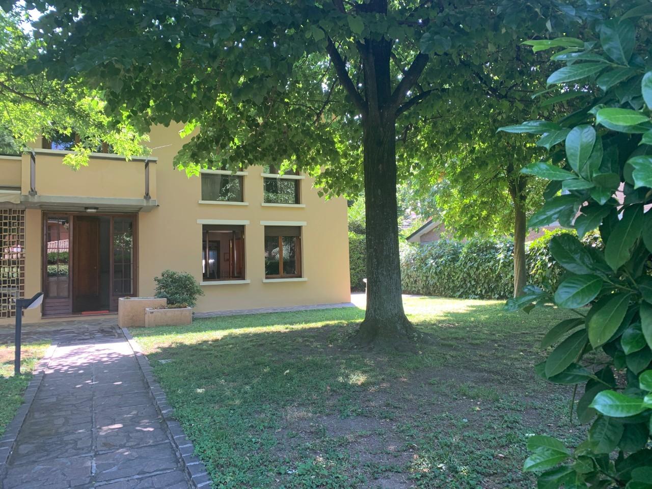 Villa Abbinata in vendita Reggio Emilia Zona Canali
