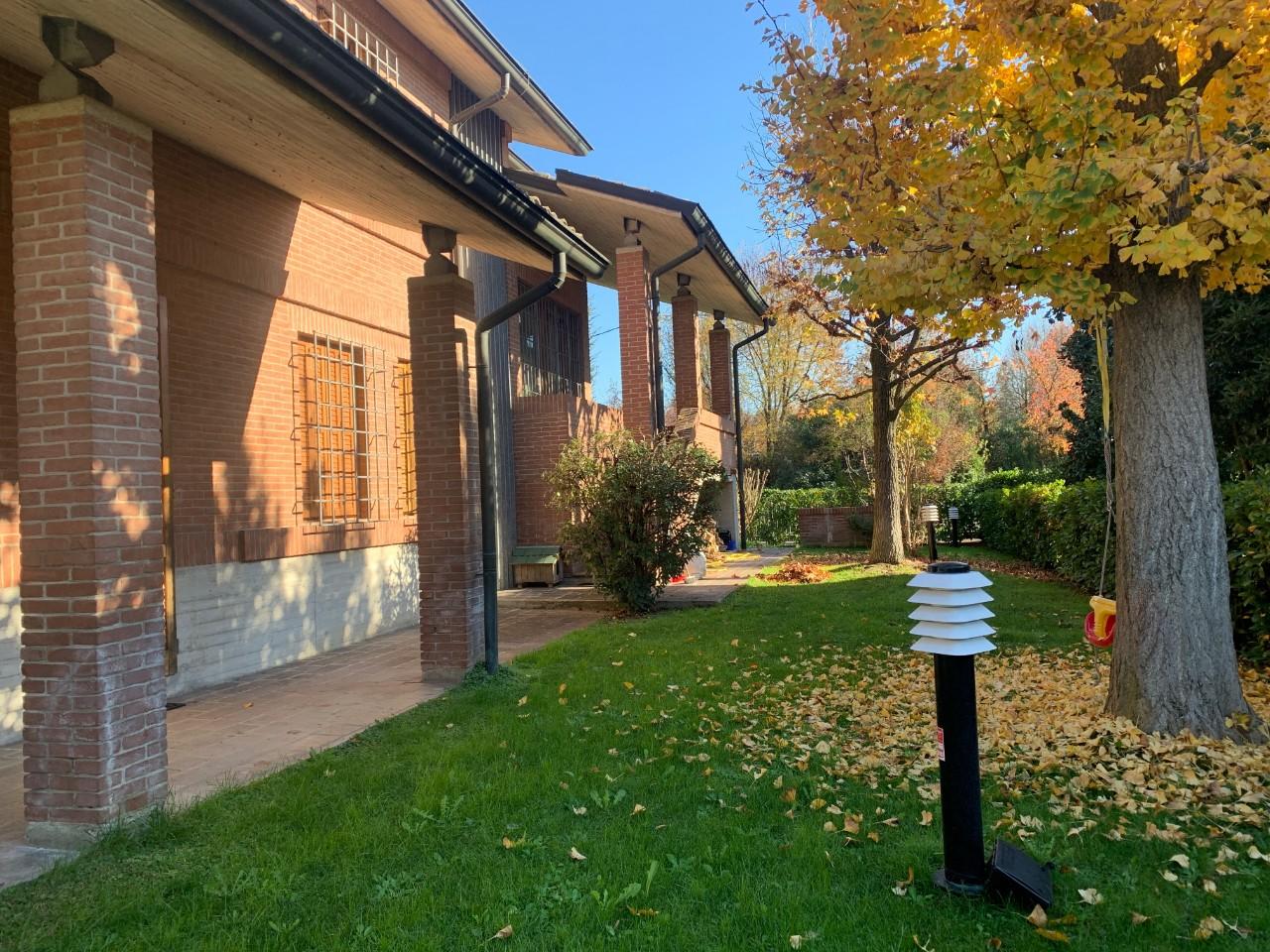 Villa Bifamiliare in vendita Reggio Emilia Zona Canali
