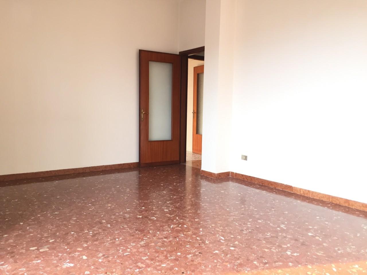 Appartamento in vendita Reggio Emilia Zona Porta Castello