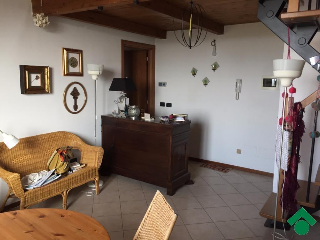 Appartamento in vendita Cadelbosco di Sopra