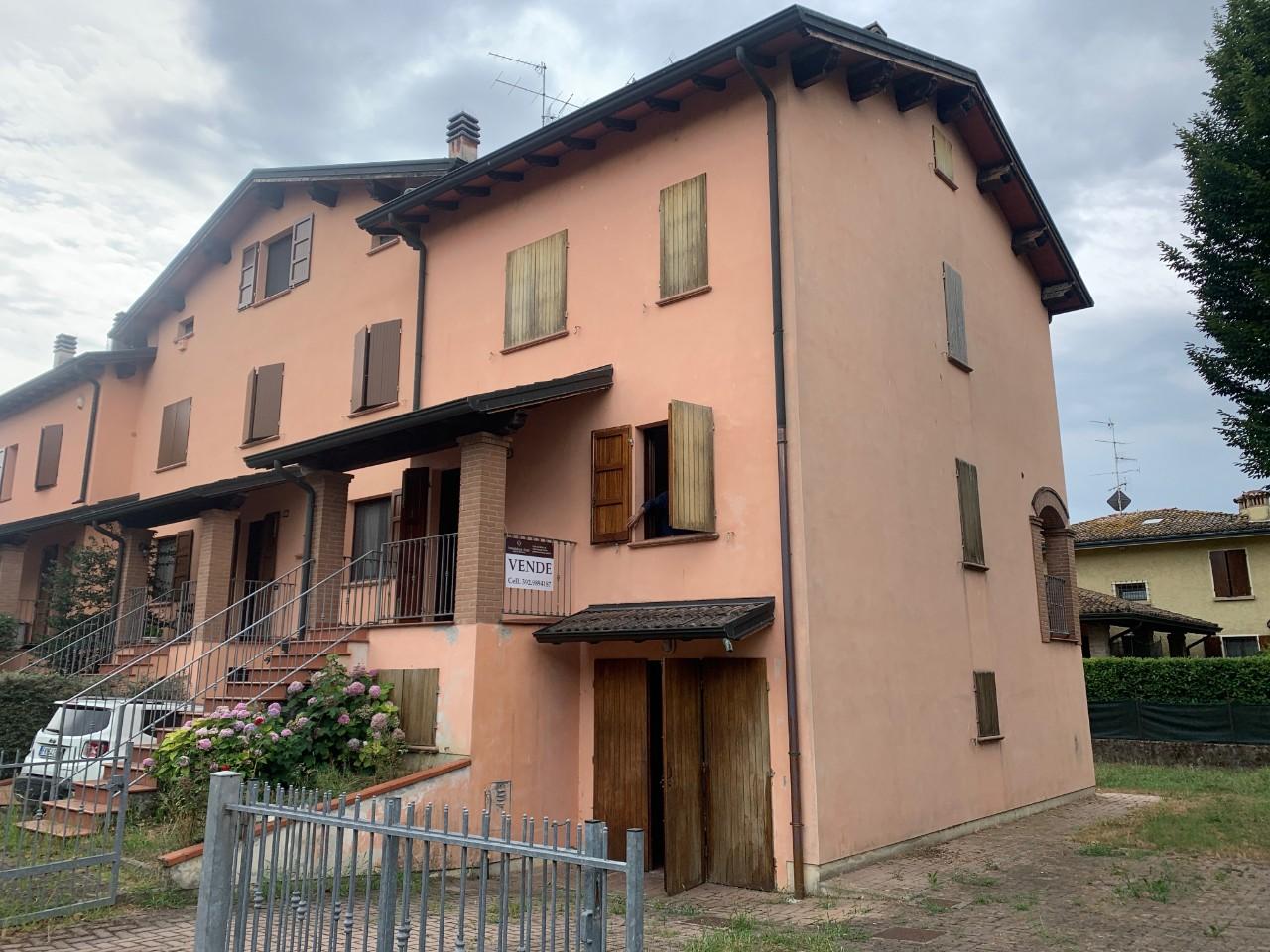 Villetta  Di Testa in vendita Reggio Emilia Zona Gavasseto