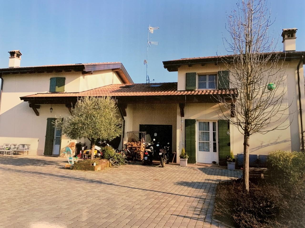Villetta  in vendita Reggio Emilia Zona Gavasseto