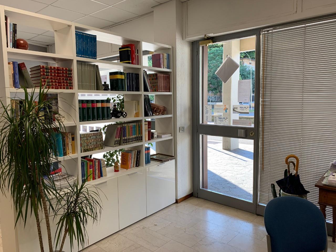 Ufficio in vendita Reggio Emilia Zona Mirabello