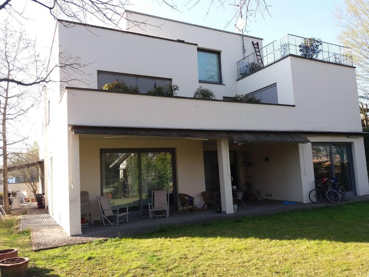 Villa Bifamiliare in vendita Reggio Emilia Zona Ospedale
