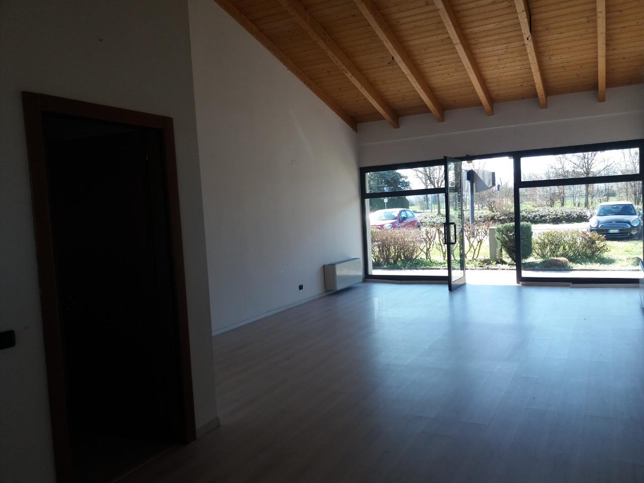 Negozio in vendita Reggio Emilia Zona Gaida