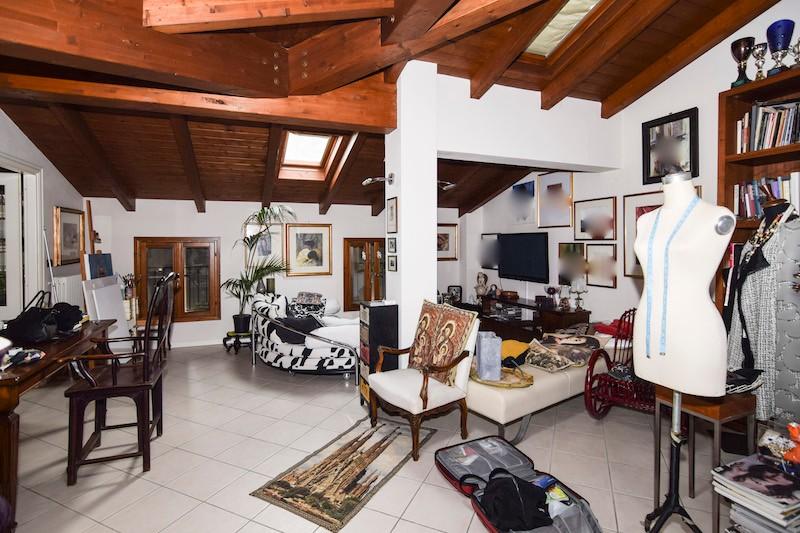 Immobili residenziali in affitto a reggio emilia e for Affitto appartamento