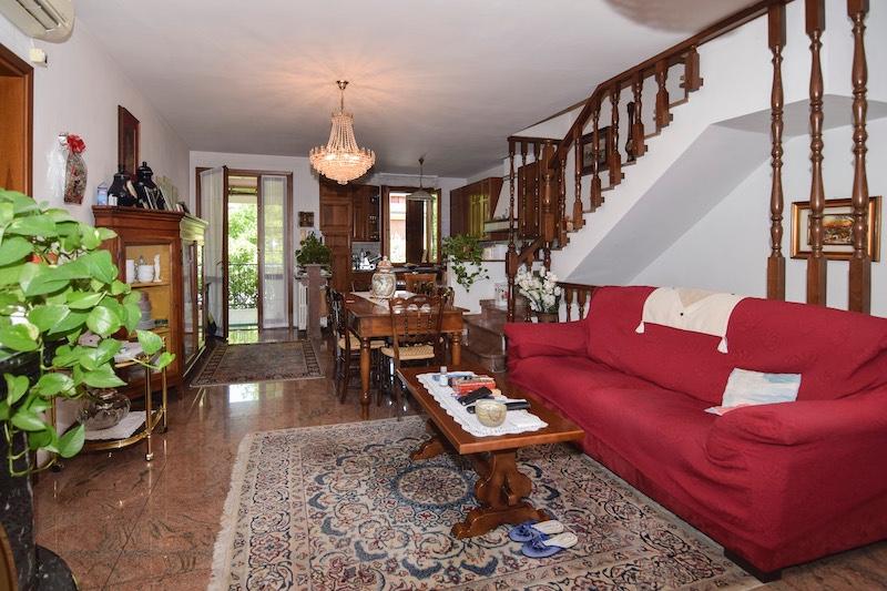 Villa Abbinata in vendita Quattro Castella