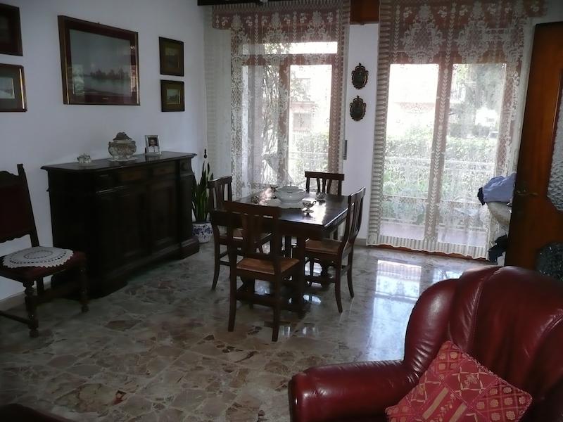 Villa Indip. in vendita Reggio Emilia  -  Orologio