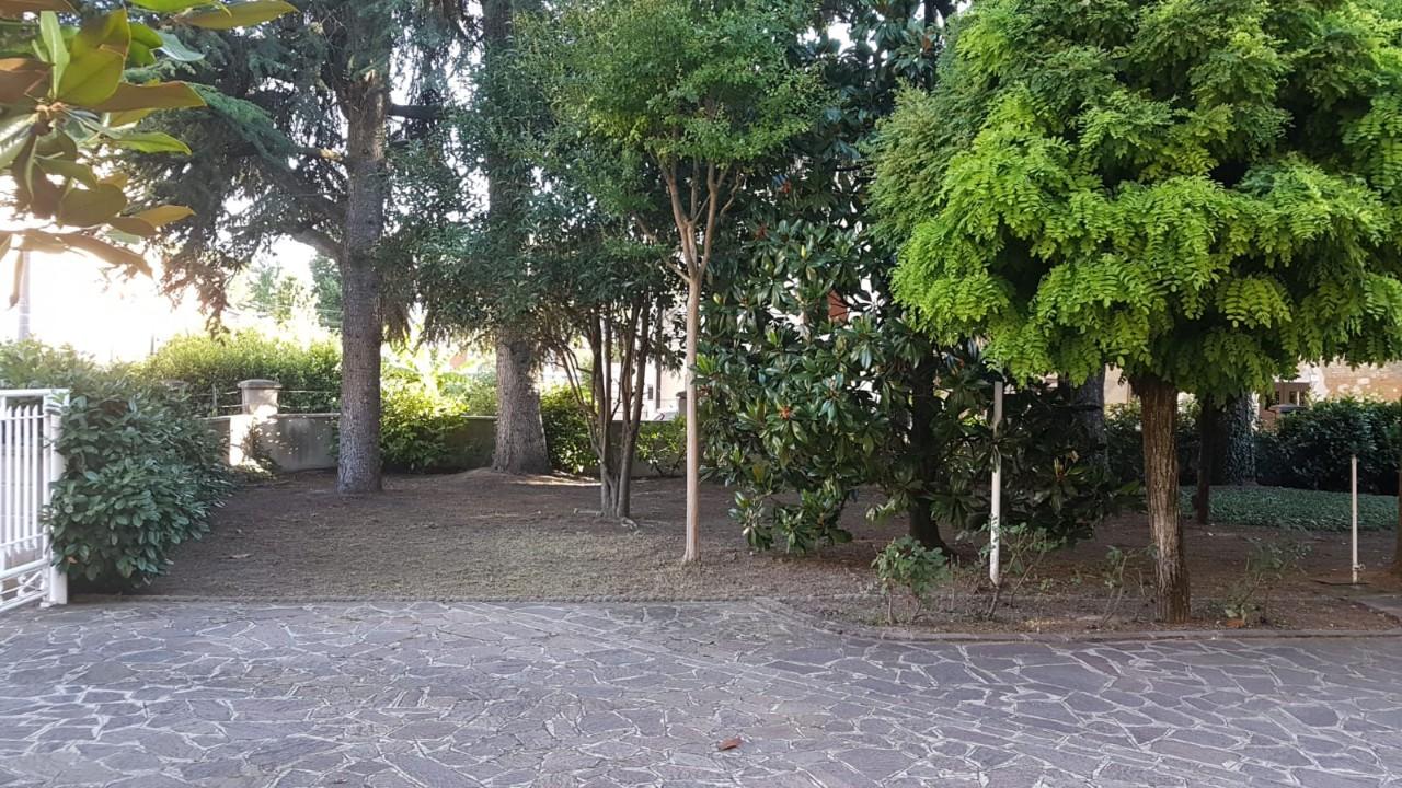 Villa Bifamiliare in vendita Modena Zona Villaggio Zeta