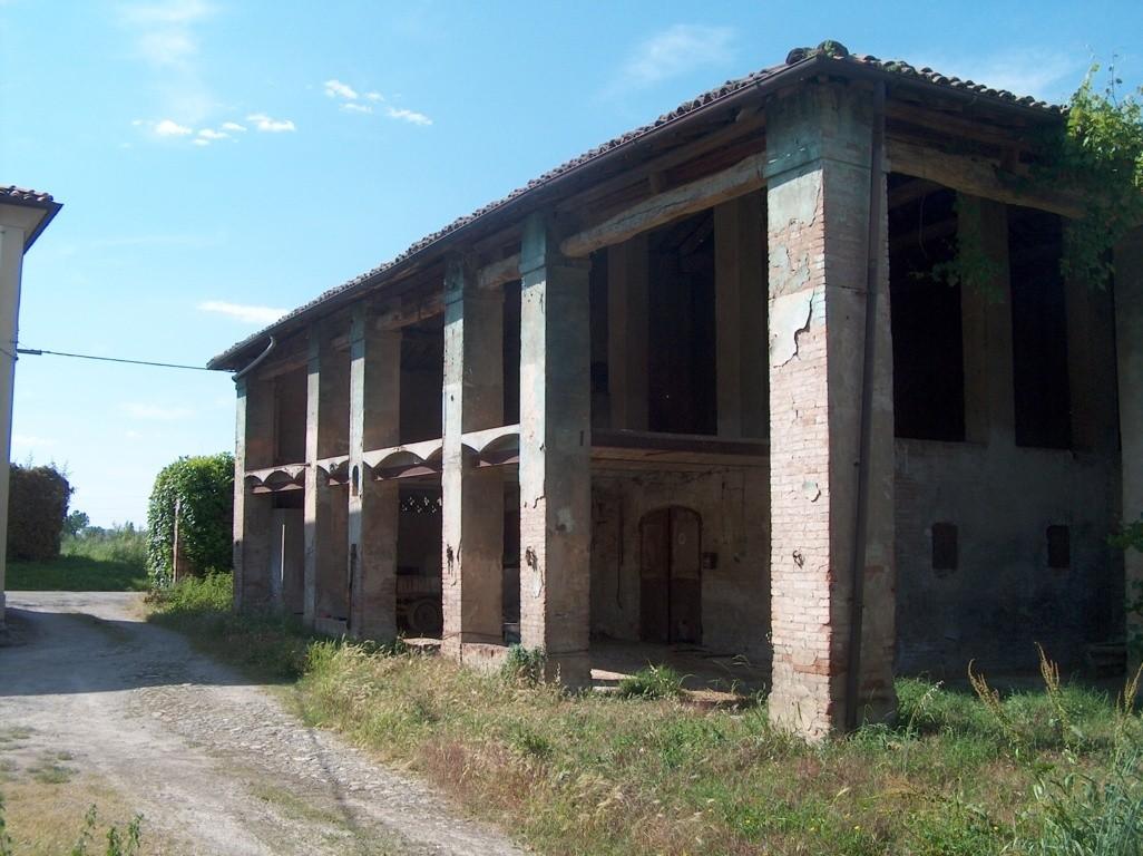 Rustico in vendita Modena Zona Vaciglio