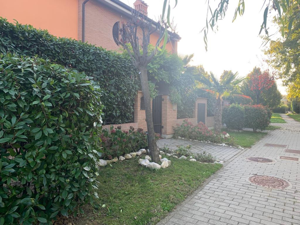 Villetta Di Testa in vendita Modena Zona Ganaceto