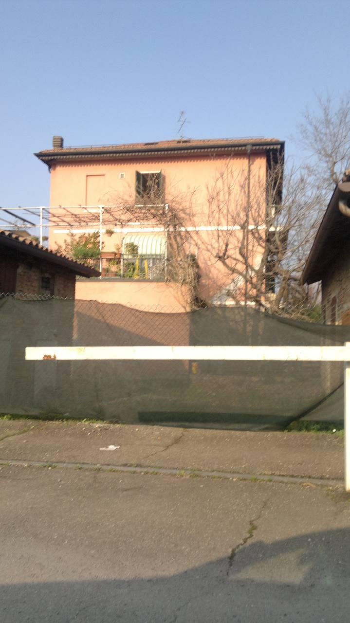 Villa Indipendente in vendita Modena Zona Via Emilia Ovest