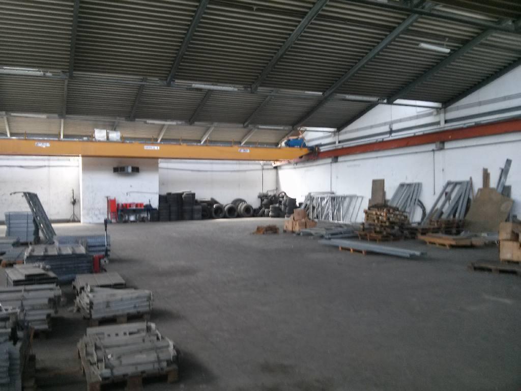 Capannone in vendita Modena Zona Via Emilia Ovest