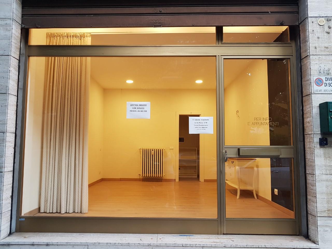 Negozio in affitto Parma Zona Via Volturno