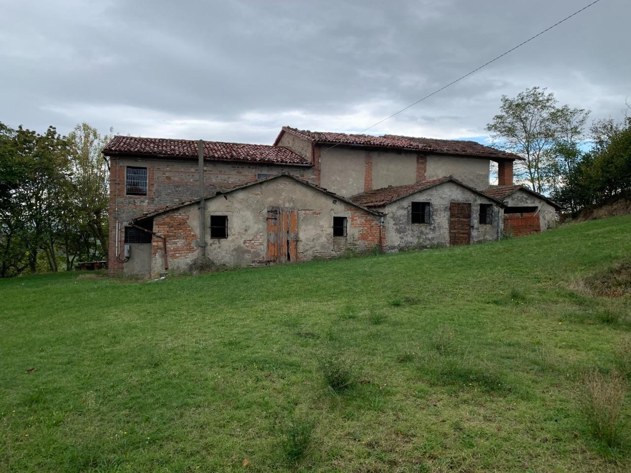 Podere (casa + Terreno) in vendita Casalfiumanese