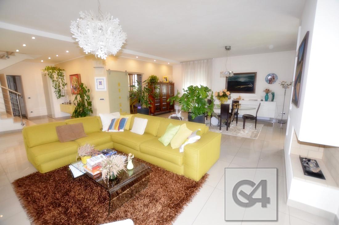 Casa Indip. in vendita Modena Contrada