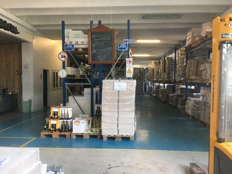Capannone in vendita Modena Zona Villaggio artigiano Modena ovest