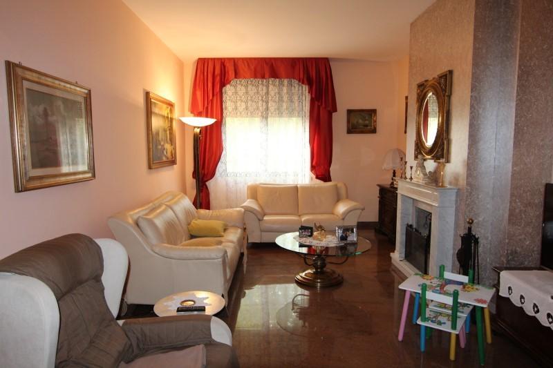 Villa Abbinata in vendita Modena Zona Modena Est