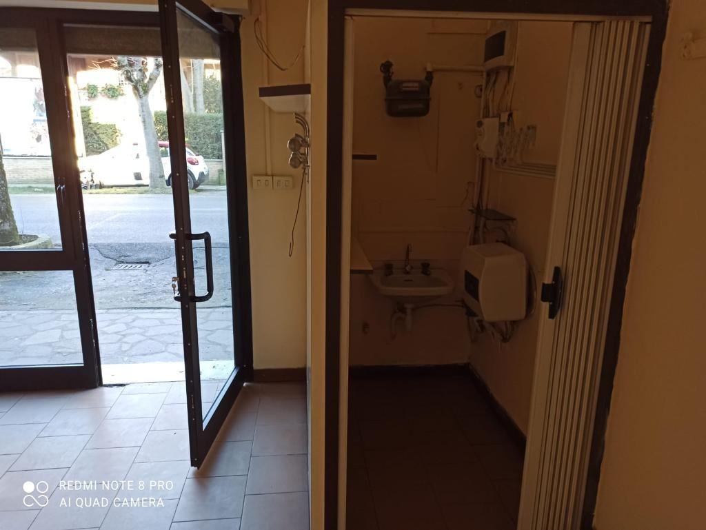 Negozio in affitto Modena San Faustino