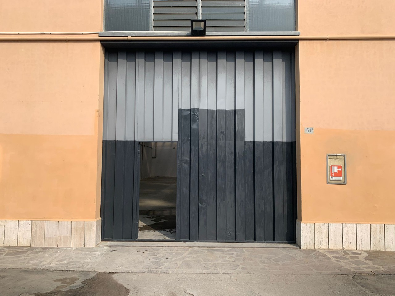 Capannone in vendita Modena Via Emilia Est