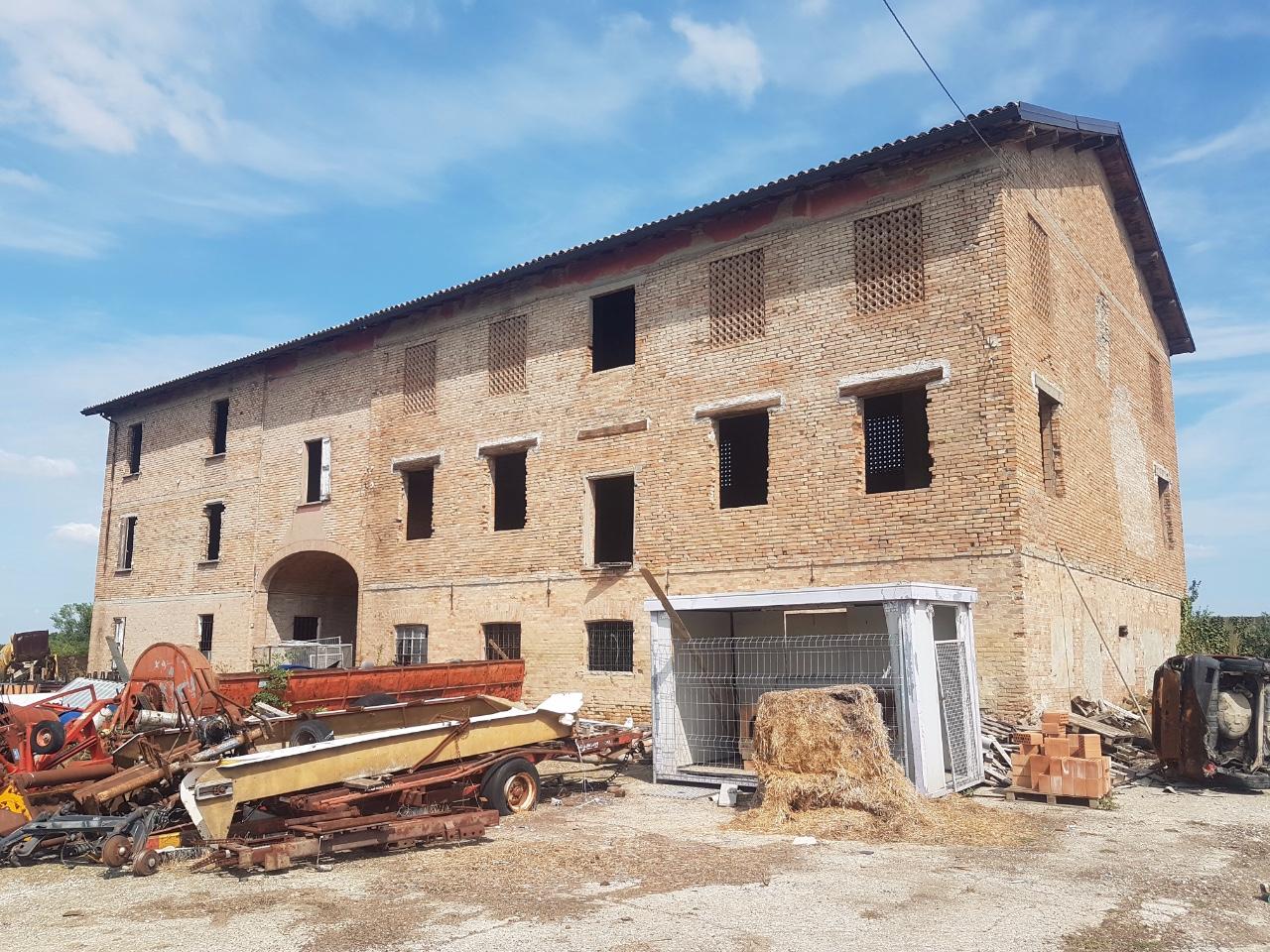 Rustico in vendita Reggio Emilia Zona Sabbione