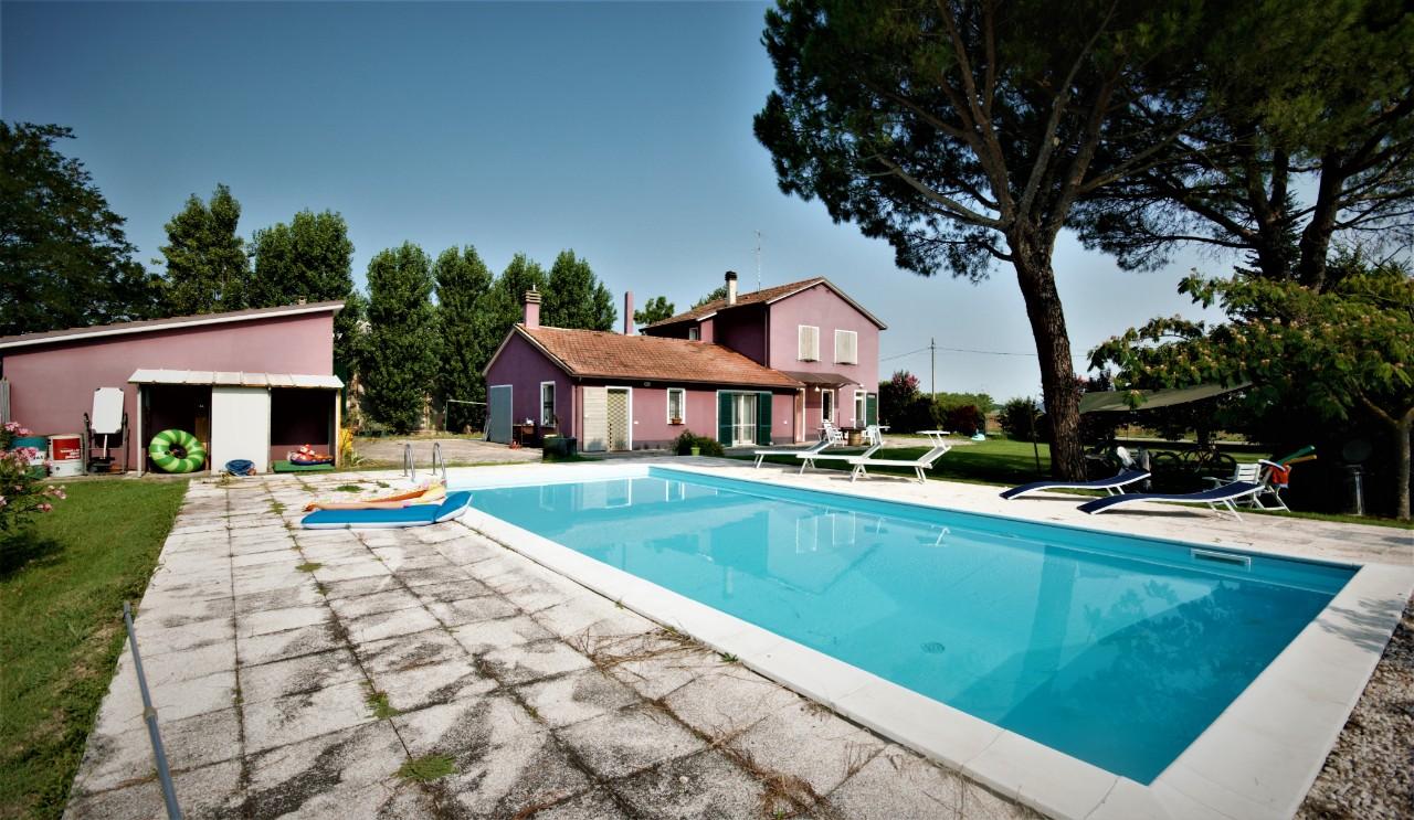 Villa Indipendente in vendita Ravenna Zona Sant Antonio