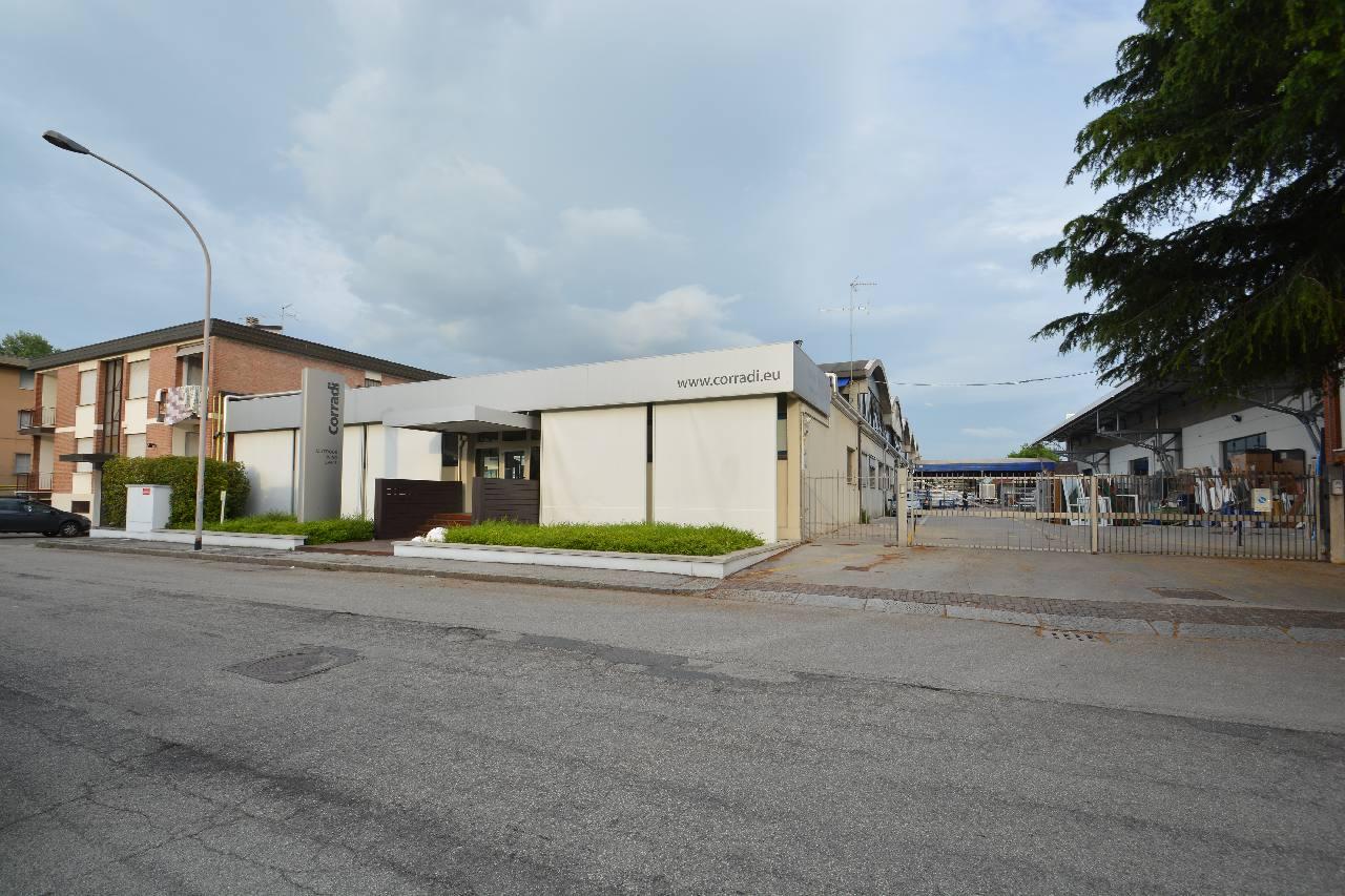 Affitto capannone, Corticella
