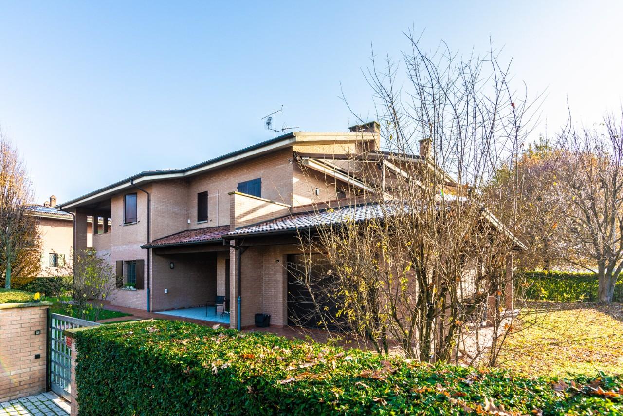 villa bifamiliare Funo