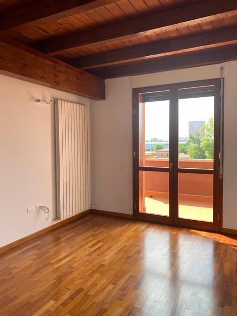 Attico in affitto Bologna Zona Massarenti